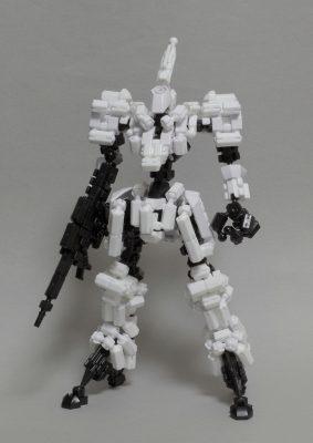 白騎士風ロボ